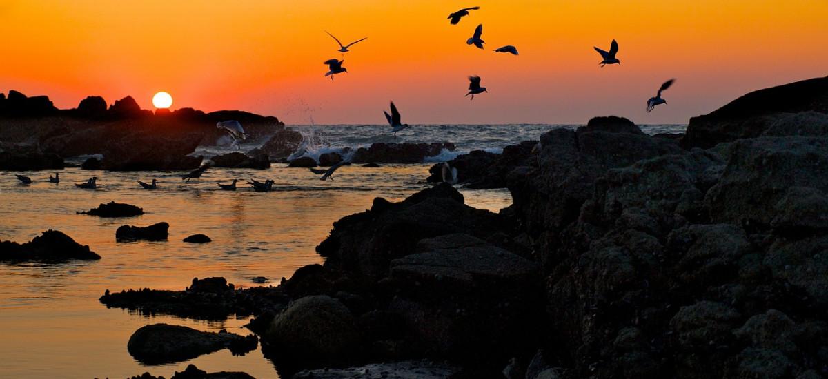 Hoteles en Baiona rurales románticos con encanto puesta sol
