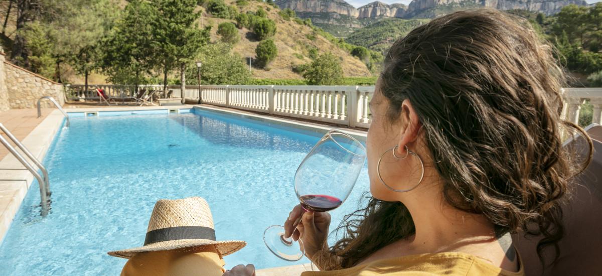 Hoteles en Escaladei Tarragona, piscina Xalet Priorat