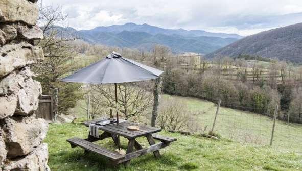 Hoteles en Ripoll con encanto rural Rusticae Mas el Mir Jardin