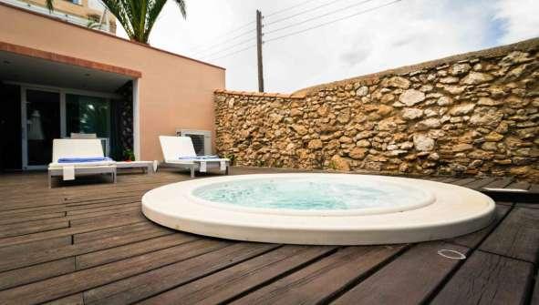 Hotels in Alcanar Rusticae Tancat de Codorniu Jacuzzi
