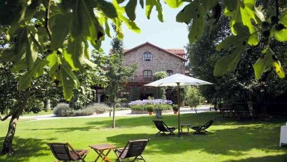 Hoteles en Cabezon de la Sal rurales romanticos Jardin Carrejo