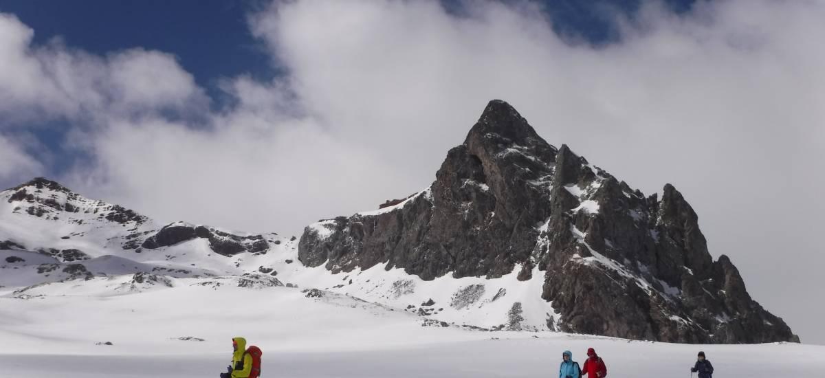 Experiencia Pirineos - Esquiadores