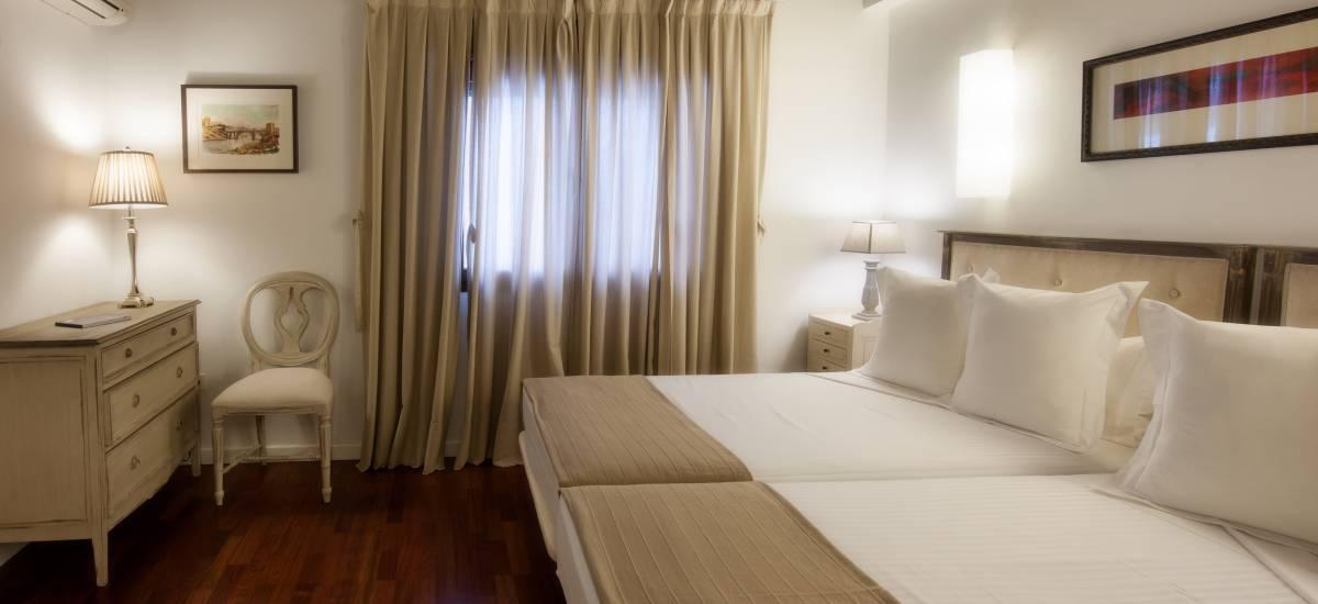 Apartamentos Abad Toledo Rusticae cama 3