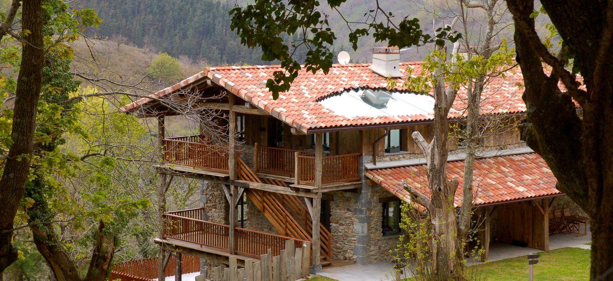 Arantza Apartamentuak. 3 keys Exterior view Apartments