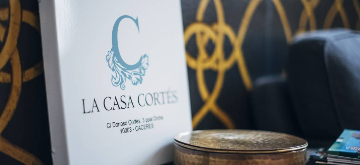 Apartamentos La Casa Cortés