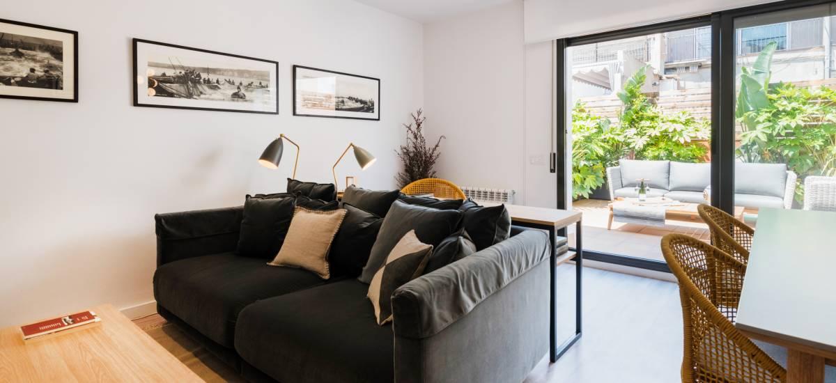 Petit Luxe Apartamentos Terrassa Oasis Rusticae Sofa