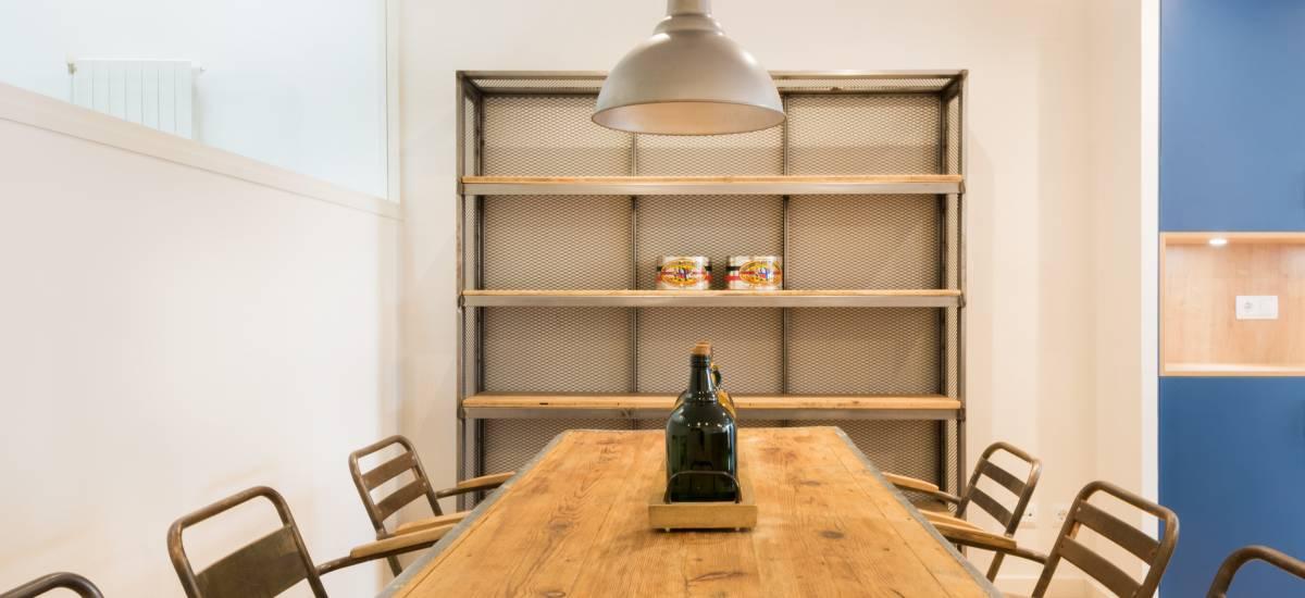 Petit Luxe Apartamentos Terrassa Duplex Rusticae Table