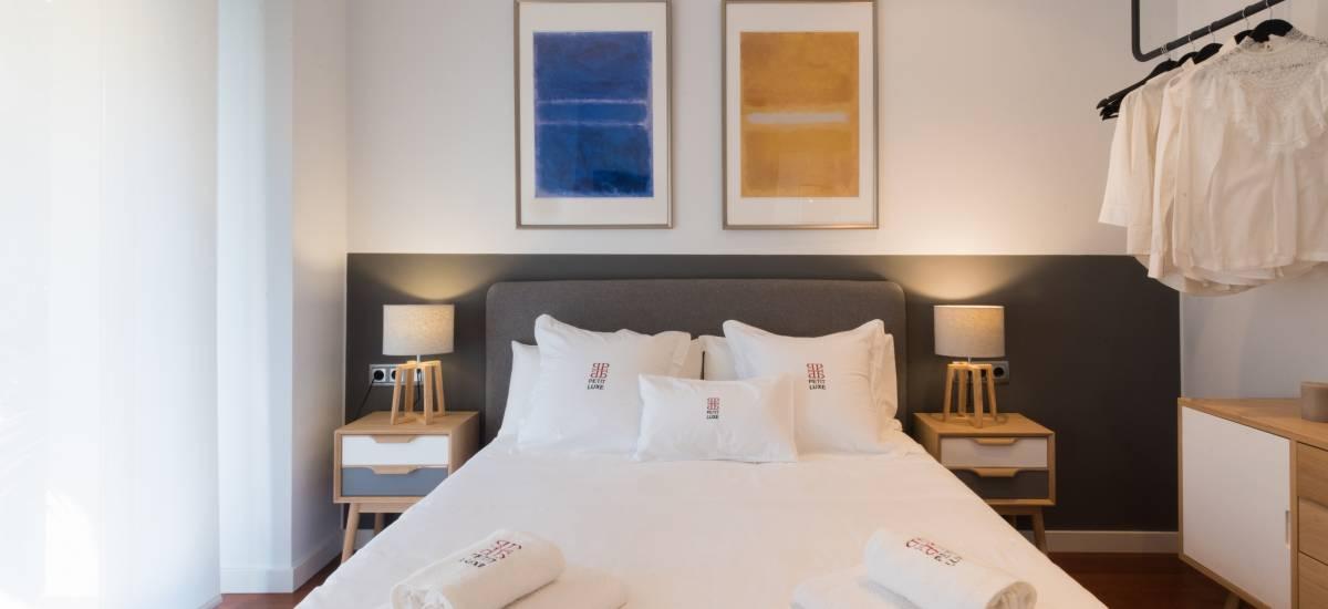 Petit Luxe Apartamentos Terrassa Oasis Rusticae Bed