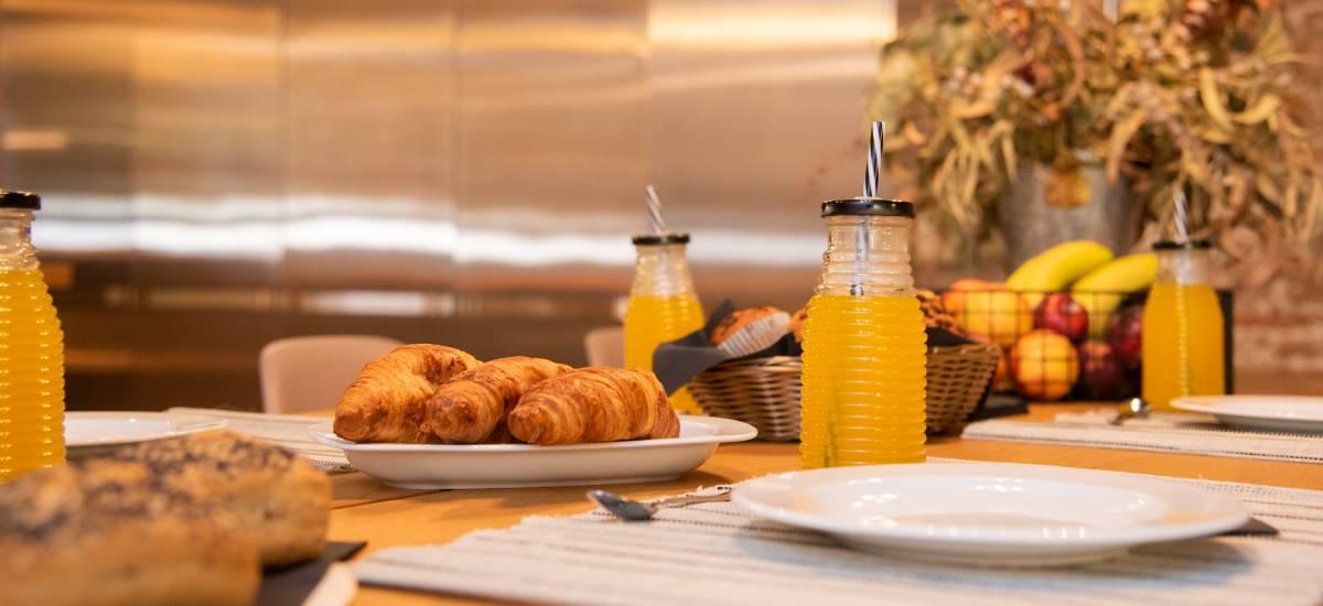 Petit Luxe Apartamentos Terrassa Loft Rusticae Breakfast