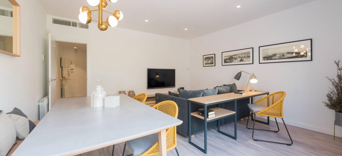 Petit Luxe Apartamentos Terrassa Oasis Rusticae Livingroom