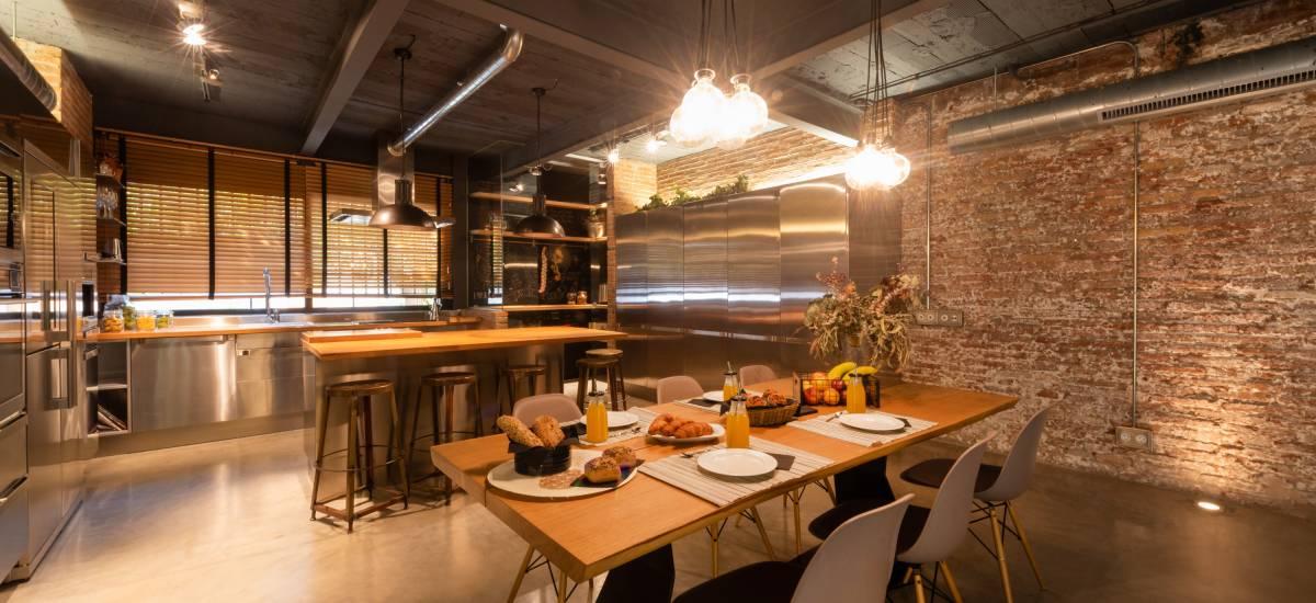 Petit Luxe Apartamentos Terrassa Loft Rusticae Dinningroom2