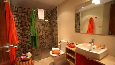 Rusticae Zaragoza Apartamentos Uncastillo en familia Aseo