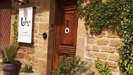 Rusticae Zaragoza Apartamentos Uncastillo en familia Entrada