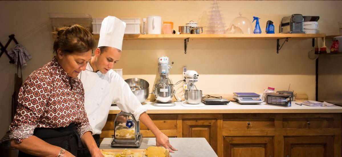 Rusticae Italia Toscana Hotel Borgo Pignano con encanto cocina