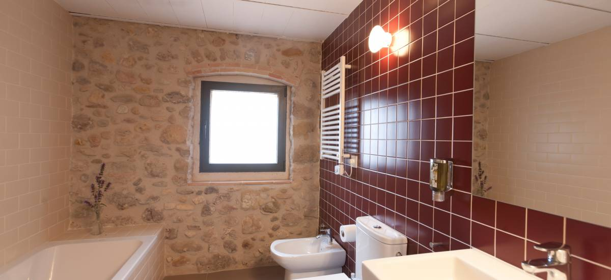 Rusticae charming Hotel Can Clotas Girona Gerona bathroom