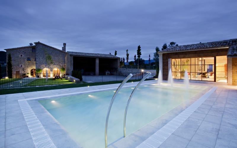 Cirera Dávall Casa Alquiler completo Rural Jardin Piscina