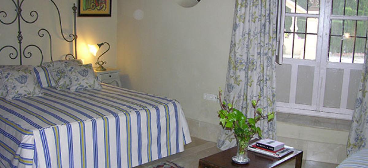 Rusticae charming Hotel Granada bedroom