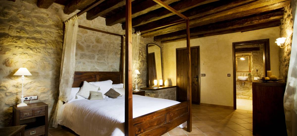 Rusticae Lleida Hotel charming bedroom