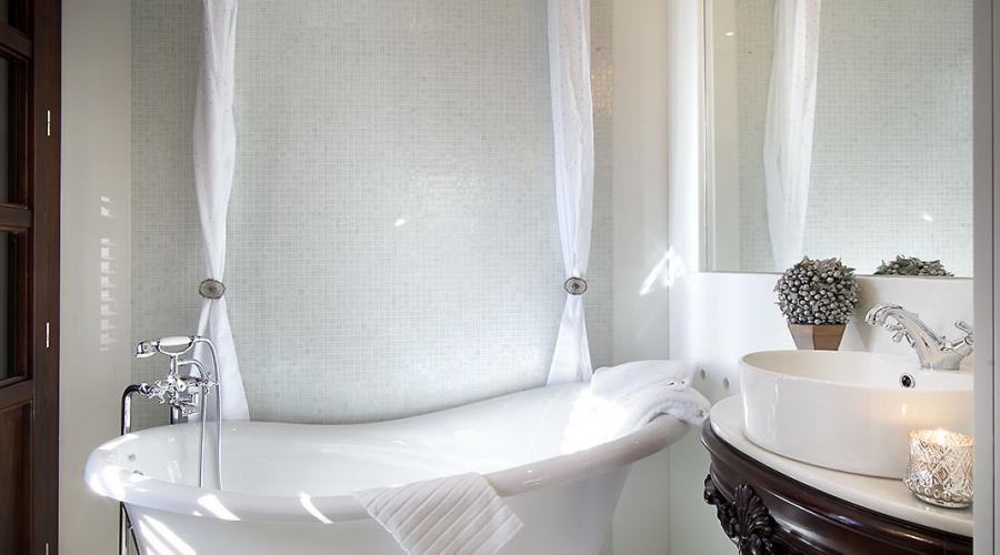 Rusticae Hotel Granada con encanto Bañera