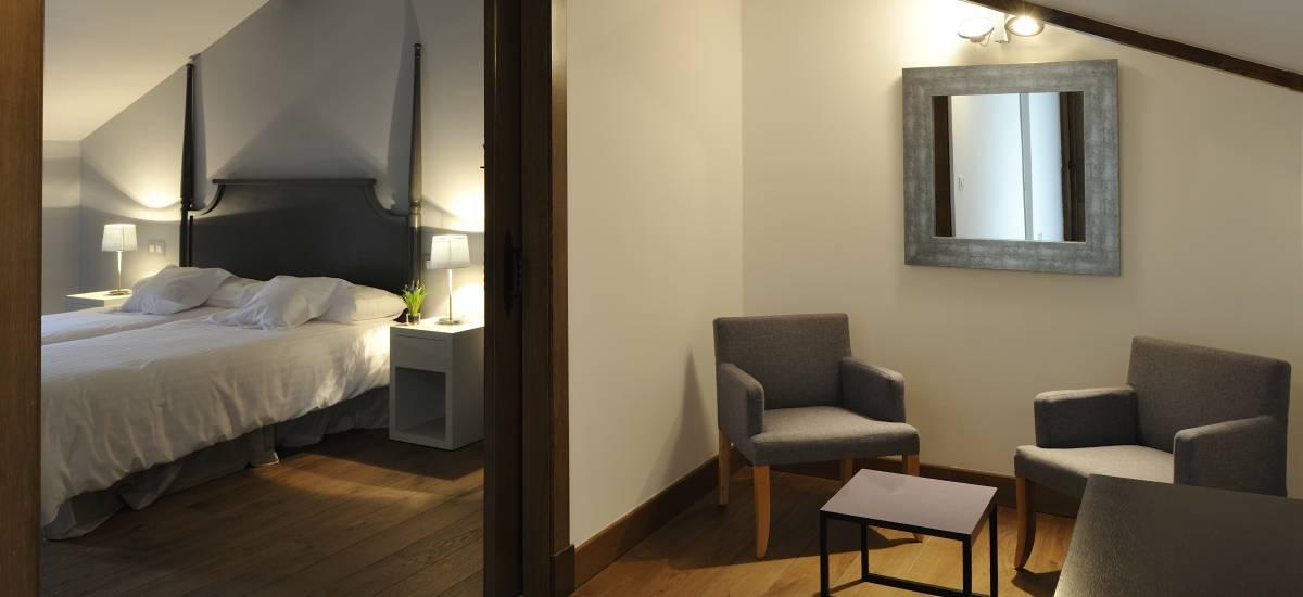 Rusticae Toledo Hotel Villa Cornelius romantic bedroom