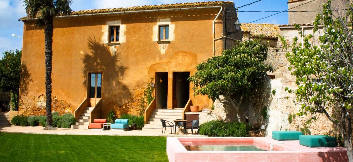 Casa Rural & Apartamentos Rectoría de Regencós