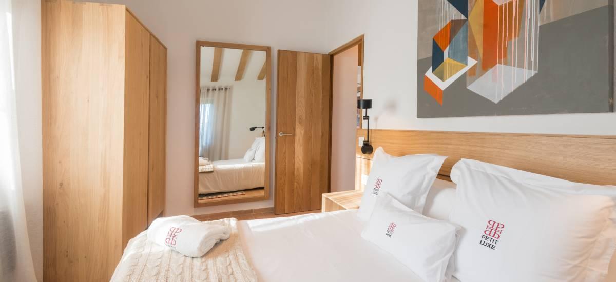 La Piconera Rural Home Osor Girona Rusticae Bed