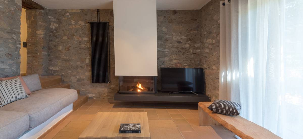 La Piconera Rural Home Fireplace