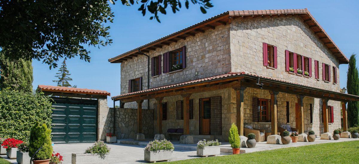 Villa Encidna Rural Home Full rental house in Burgos Garden