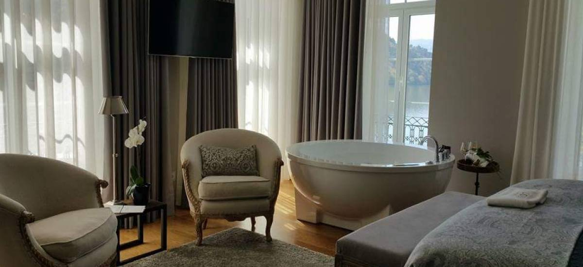 Rusticae Portugal charming Hotel Douro Suites bedroom