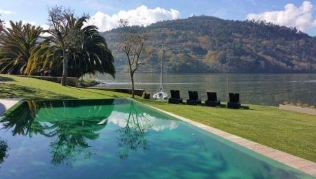 Rusticae Portugal Hotel Douro Suites piscina