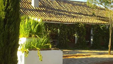 Hoteles rurales con encanto en ja n rusticae for Hoteles en jaen con piscina