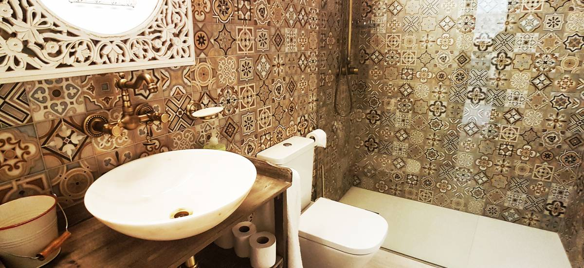 Apartamentos El Racó de Vall de Roures baño