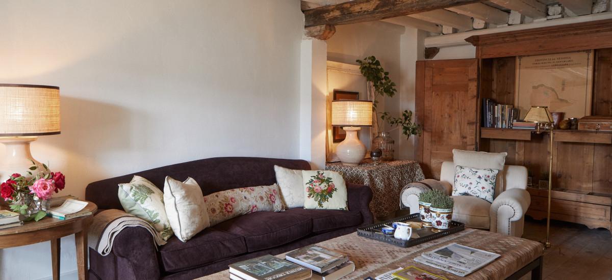 Hotel Caserio de Aldeallana in Valdeprados Segovia livingroom