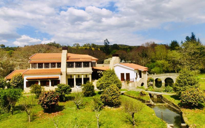 Finca Briabí Hotel Apartments in La Cañiza Pontevedra gardens