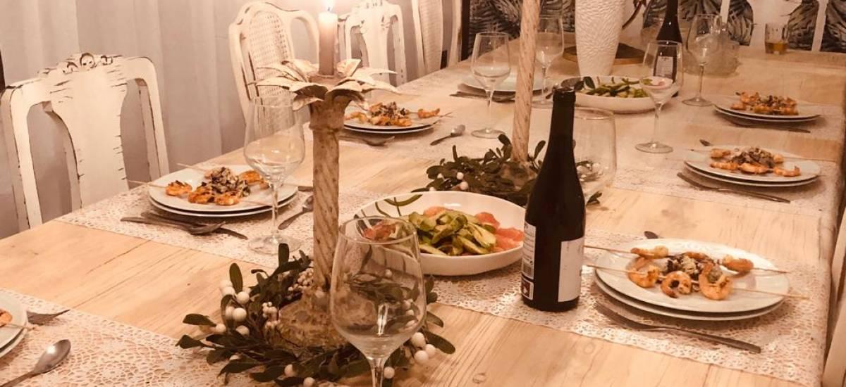 Finca Casa Bela full rental house Room Rusticae table 2