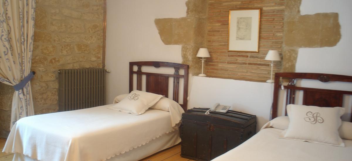 Rusticae La Rioja Hotel Señorío de Briñas rural bedroom