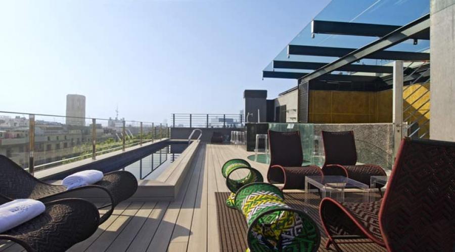 Rusticae Barcelona Hotel con encanto Terraza con piscina