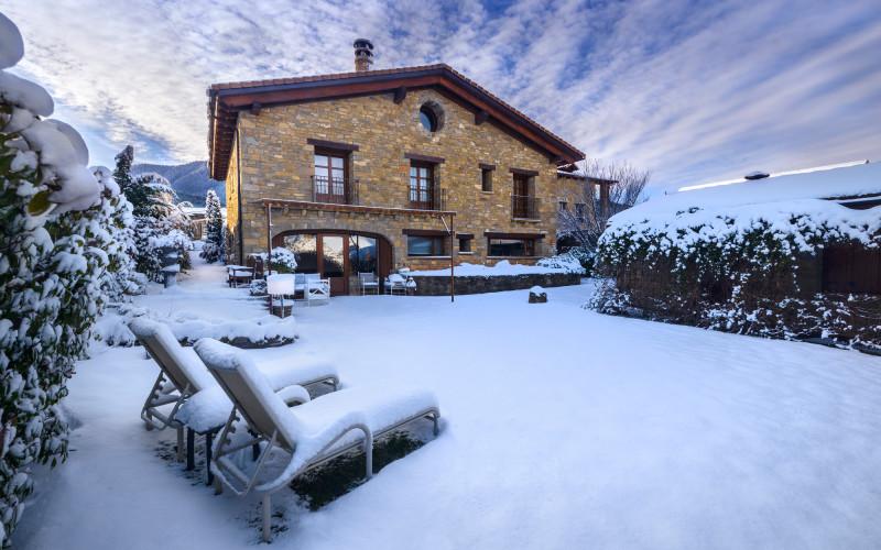 Hotel Barosse Huesca Jaca Snowy Garden of Hotel Barosse