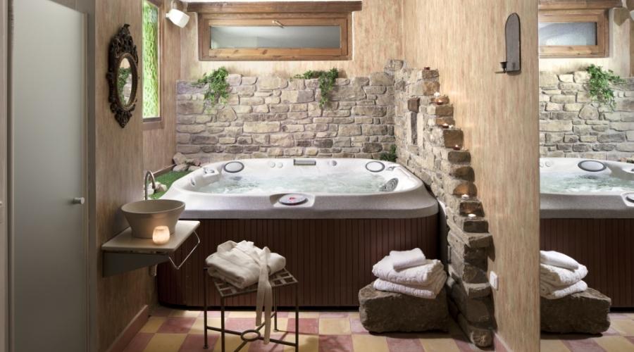Rusticae Huesca Hotel con encanto Jacuzzi