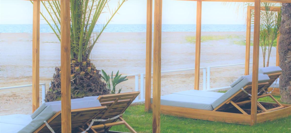 Hotel Boutique Botaniq Mojácar balinese beds