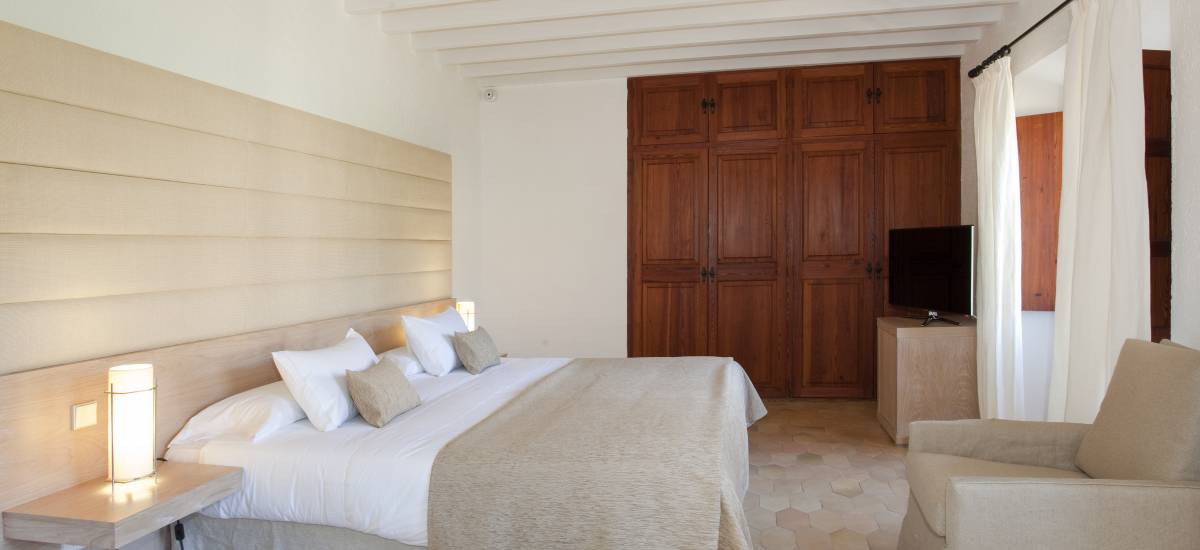 Rusticae Mallorca charming Hotel Can Simoneta bedroom