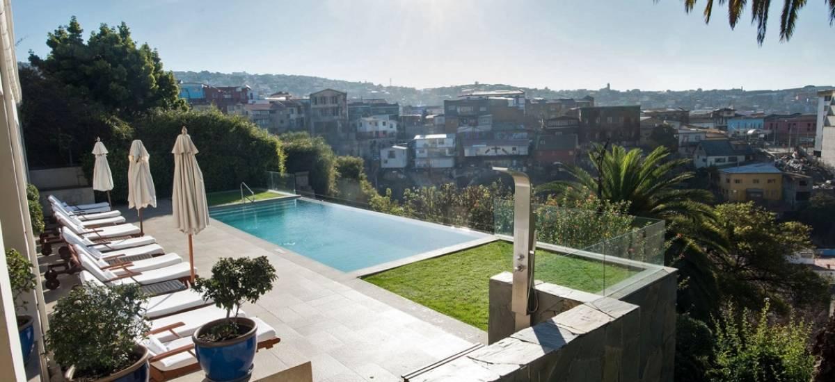 Hotel Casa Higueras Valparaíso Chile jardin con piscina