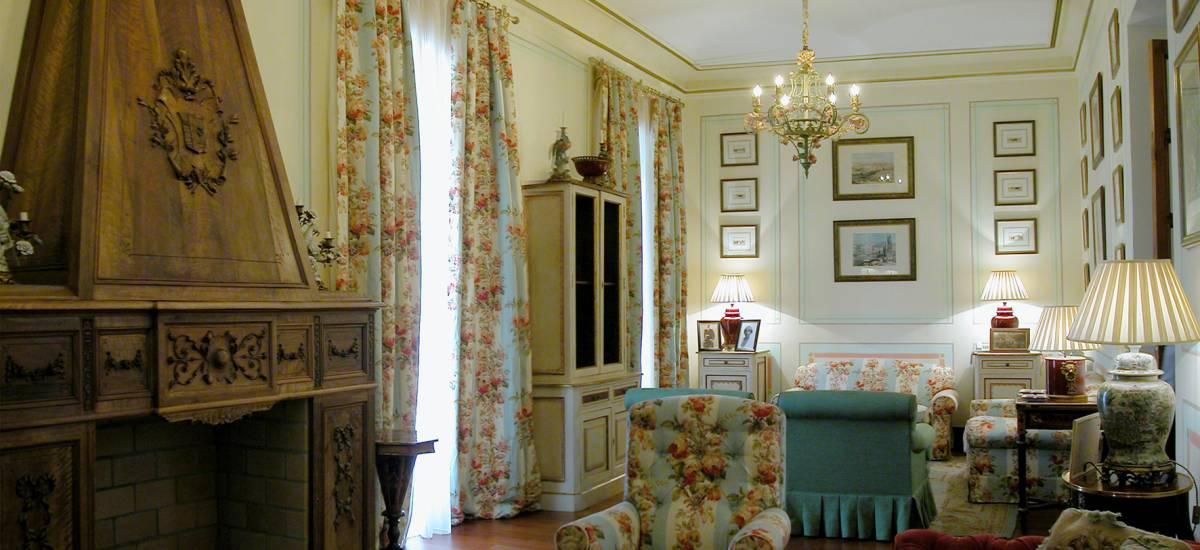 Rusticae Badajoz Hotel con encanto Salón Habitación