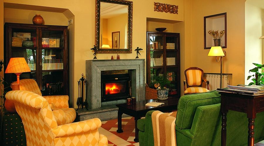 Rusticae Asturias Hotel Casona de Paca románticos salón