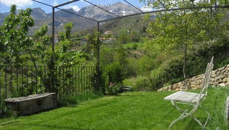 Rusticae Cantabria Hotel Casona de Quintana para niños jardín