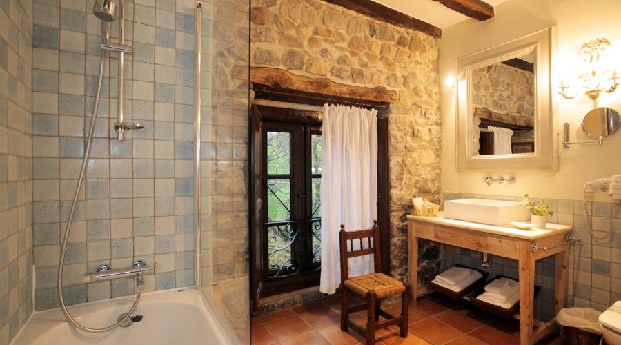 Rusticae Cantabria Hotel Casona de Quintana rural baño