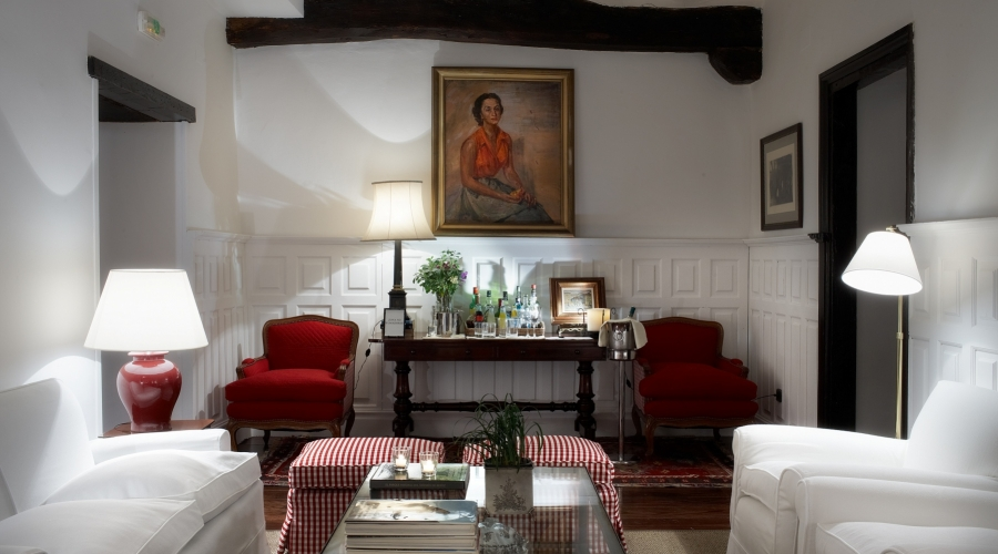 Rusticae Navarra Hotel Churrut con encanto salón
