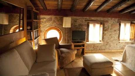 Rusticae Hotel Castellón con encanto Salón Habitación