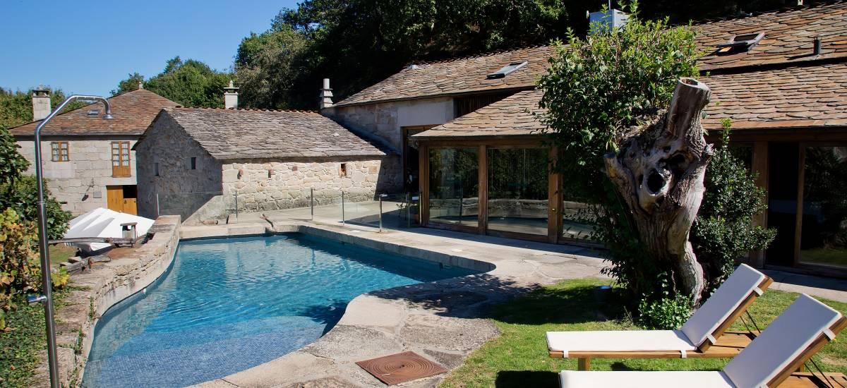 Fervenza Casa Grande Hotel en Lugo Jardin piscina