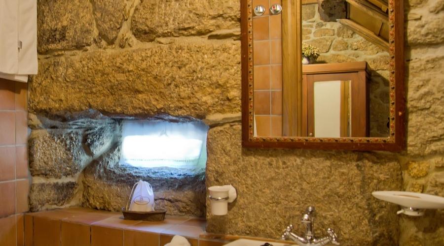 Rusticae Lugo Hotel con encanto Baño
